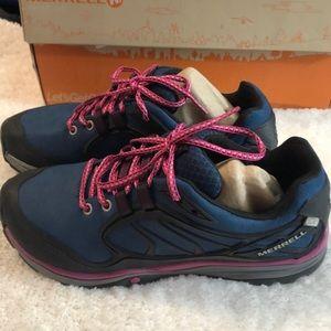 Merrell hiking shoes/sneakers  9.5 waterproof